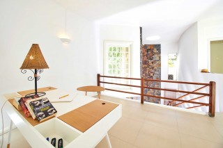Le Beach Club,3 bedroom vill & studio.Pereybere