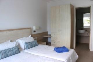 deluxe-two-bedroom-06